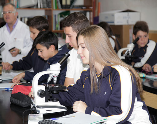 alumnos colegio santa cruz secundaria